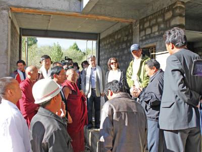 中坤集团捐建扎寺医院改善僧众及当地藏民医疗条件