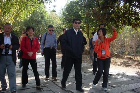 全国政协常委、台盟中央副主席黄志贤一行莅临宏村指导工作