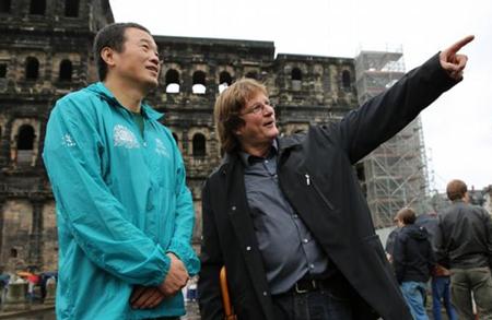 《德国之声中文网》跟访21世纪人类脸谱行动